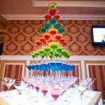 Пирамида из бокалов шампанского_13